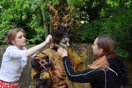 costumes fraise au Loup emajinarium coiffe masques couronnes free spirit