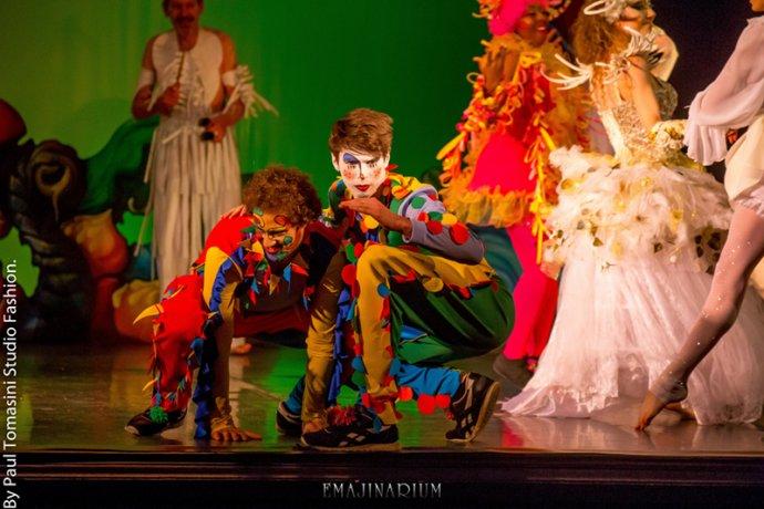 EMAJINARIUM clowns spectacle