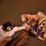 EMAJINARIUM Free Spirit Spectacle masque de lion vivant costumé et dansant live show combining art performance theatre dance paris theatre de la madeleine