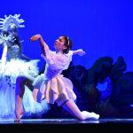 Marie Menuge EMAJINARIUM Spectacle vivant costumé et dansant live show combining art performance theatre dance paris theatre de la madeleine