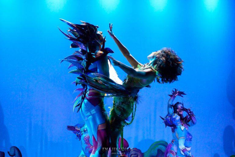 EMAJINARIUM par Free Spirit Spectacle de danse avec costume theatre de la Madeleine paris décors Fraise au Loup costume